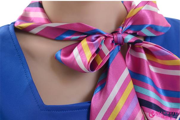 领子设计:时尚大方,美观时尚,穿着舒适,领口适合各种脸型.
